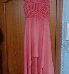 Платье коралловое.