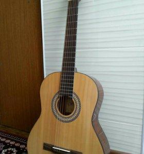 Продаю гитару