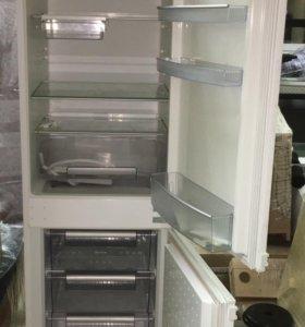 Встраиваемый холодильник Neff K4444X6