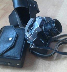 Фотоаппарат плёночный Зенит-Е со вспышкой