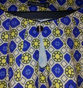 Блузка, юбка.