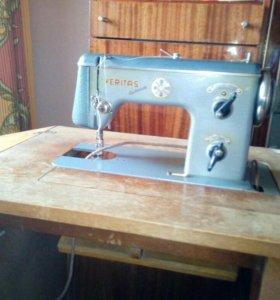 Ножная швейная машина Veritas