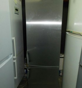 Холодильник двухкамерный Electrolux