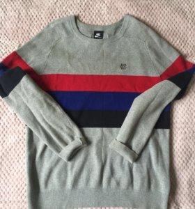 Продам свитер Nike