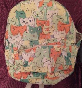 Рюкзак с котиками б/у, только в добрые руки