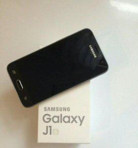 Смартфон Samsung Galaxy J1