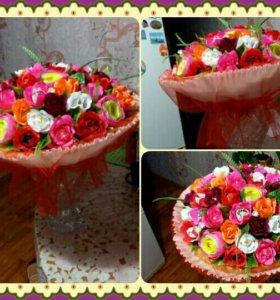 Букеты и корзины с цветами из конфет