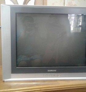 Продаю телевизор samsyng