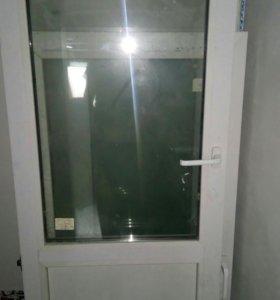 Балконная дверь с рамой.размер 1236*524