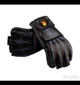 Новые перчатки для единоборств
