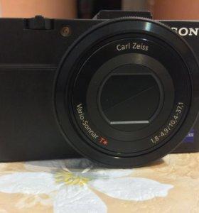 Компактная камера Sony Cyber-shot DSC-RX100 II
