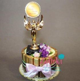 Торт из конфет подарок женщине декану