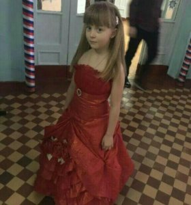 Платье на выпускной на девочку 6-8лет