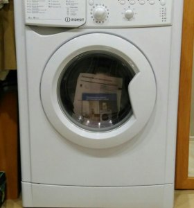 Узкая стиральная машина автомат Indesit