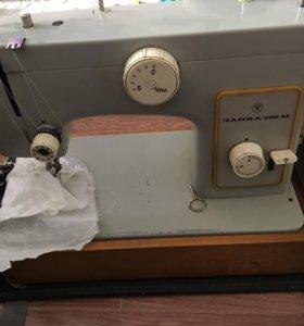 Швейная машинка Чайка -132м