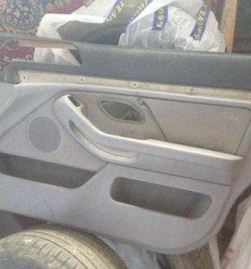 Обшивка двери BMW E39 R