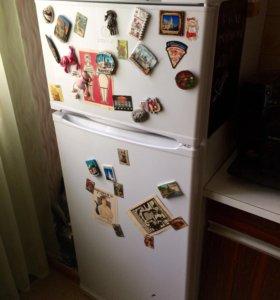 Холодильник Indesit St14510