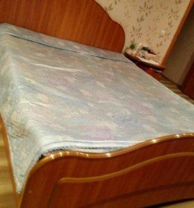 Кровать двух спальная с тумбочками