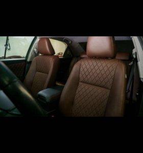 Перетяжка салона авто и мото сидений.