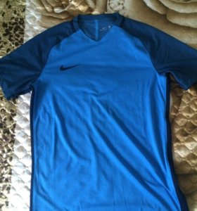 Новая тренировочная футболка Nike Aeroswift