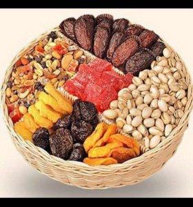 Вкусные полезные орешки и сухофрукты