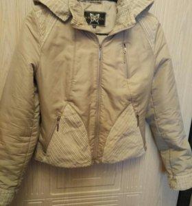 Куртка весна- осень с капюшоном