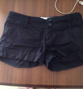 Почти новые шорты Bershka