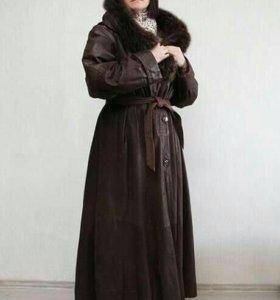 Кожаное пальто на подкладке