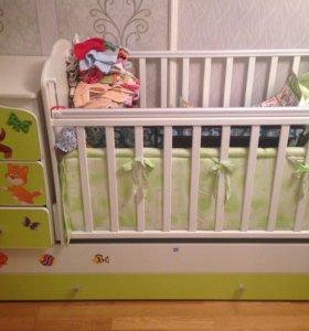 Детская кроватка трансформер с маятником.