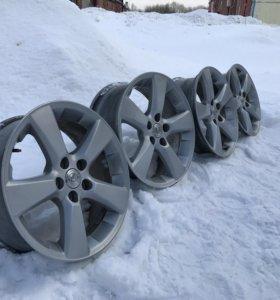 Оригинальные литые диски Lexus r18. 5х114,3.(4шт)