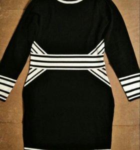 Новое трикотажоное платье