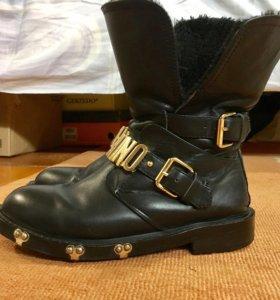 Ботинки Moschino р.37