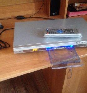 DVD проигрыватель,караоке(новый)