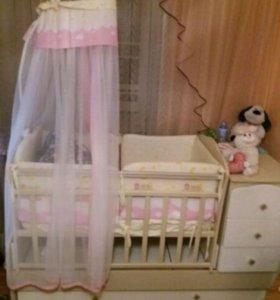Детская кроватка очень красивая новая )))