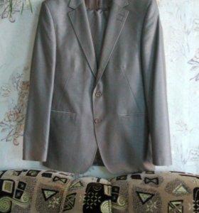 Костюм (пиджак,брюки)