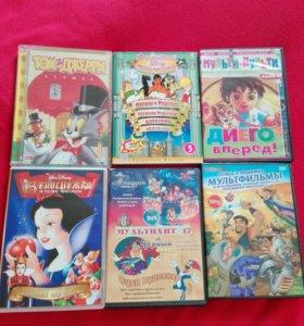 DVD диски  30-50 рублей