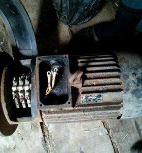 Двигатель трёхфазный асинхронный крановый дмт