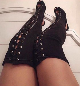 Ботфорты на шнуровке
