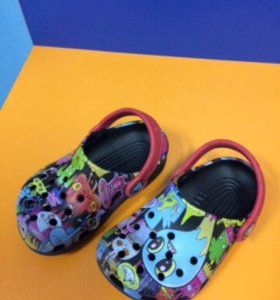 Продаю сандали CROCS