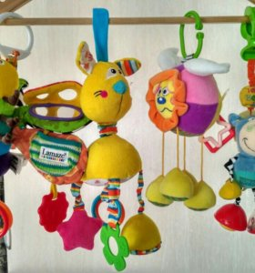 Игрушки на детскую кроватку
