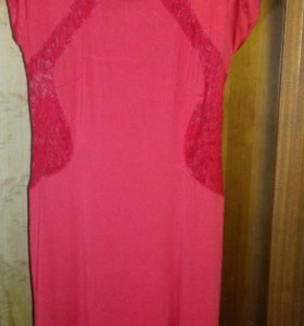 Длинное платье для стройных 46-48размер с разрезом