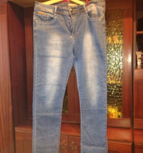 Продам джинсы (женские)