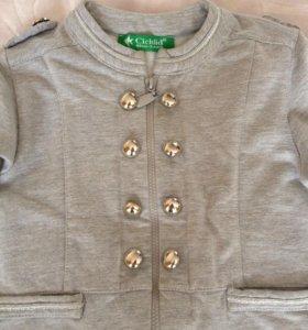 Стильный трикотажный пиджак на девочку