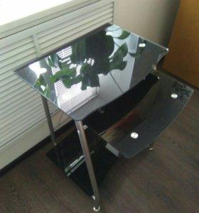 Компьютерный столик стеклянный