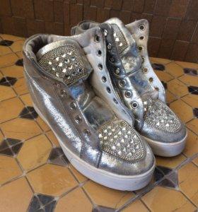 Кроссовки, обувь для девочек