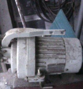 Электро двигатель 220/380