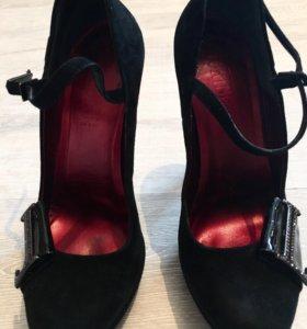 Замшевые туфли Loriblu