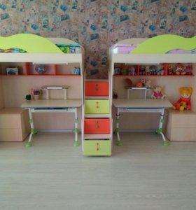 Детская кровать-чердак с гардеробом