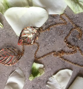 Бижутерия: кулоны на цепочке ,цепочка листик