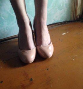 2 пары туфлей